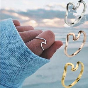 Jewelry - Ocean Wave Ring / Available in 3 Finishes